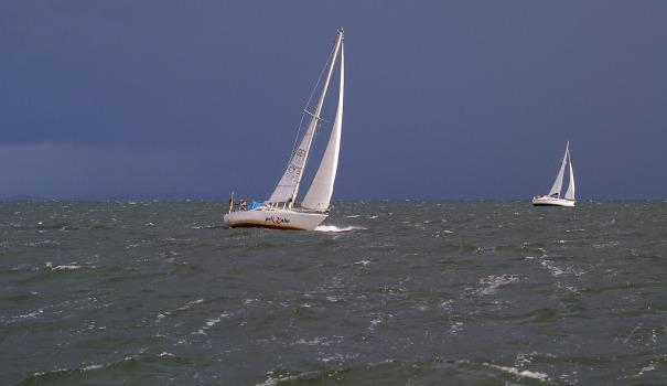 YACHT_sailing-vessel-954837_1920